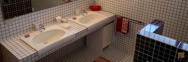 Villa-Moni-Pesaro-Bathroom1-1
